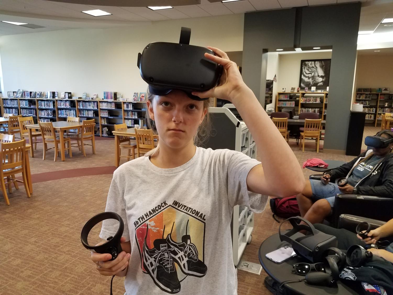 Emily Appleton (12) explores the world of Virtual Reality.